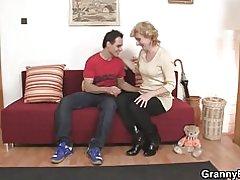 Roztomilý starší dáma a boy