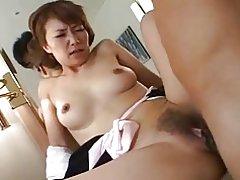 Hezká japonská zralé & s chlupatá kunda v prdeli